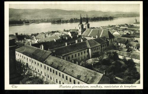 Váci Piarista Templom, Rendház, Noviciátus és Gimnázium, 1930 körül