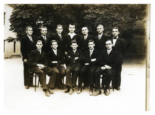 Piarista novíciusok beöltözés előtt, 1932